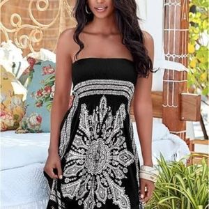Venus Black/White Swimsuit Coverup S